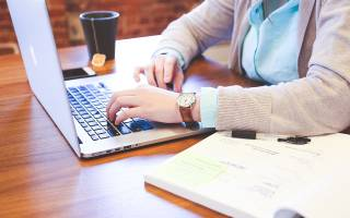 Молитва Николаю Чудотворцу о помощи в делах на работе: самая сильная, как правильно читать, советы начинающим
