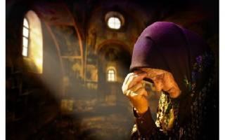 Как креститься православным в Церкви и дома — правильное движение руки, советы новичкам